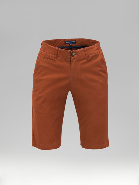 Picture of Cotton chinos shorts with piping pockets